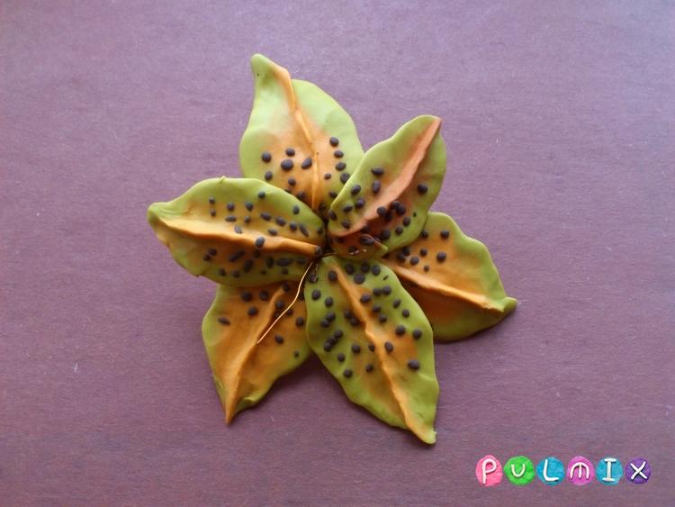 Как слепить цветок лилию из пластилина поэтапно - шаг 11