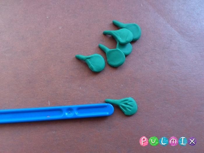 Как слепить фиалки из пластилина поэтапно - шаг 4