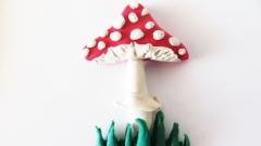 Как слепить гриб мухомор из пластилина