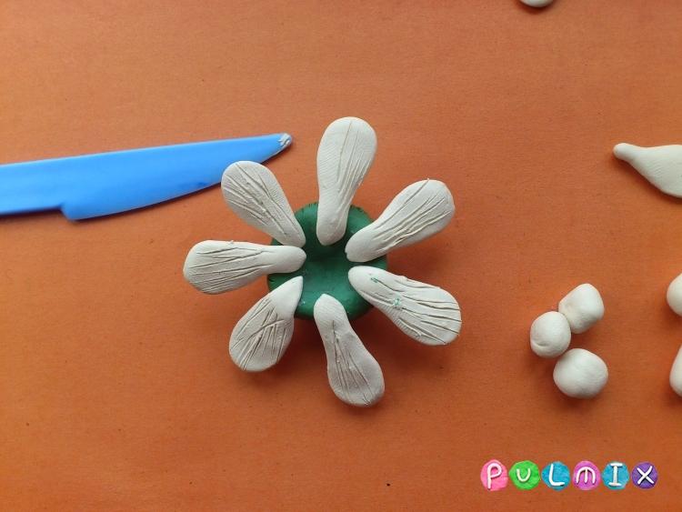 Ромашка из пластилина поэтапно с фото - шаг 10