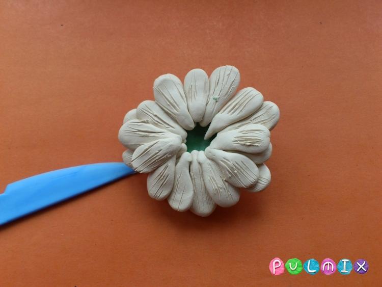 Ромашка из пластилина поэтапно с фото - шаг 11