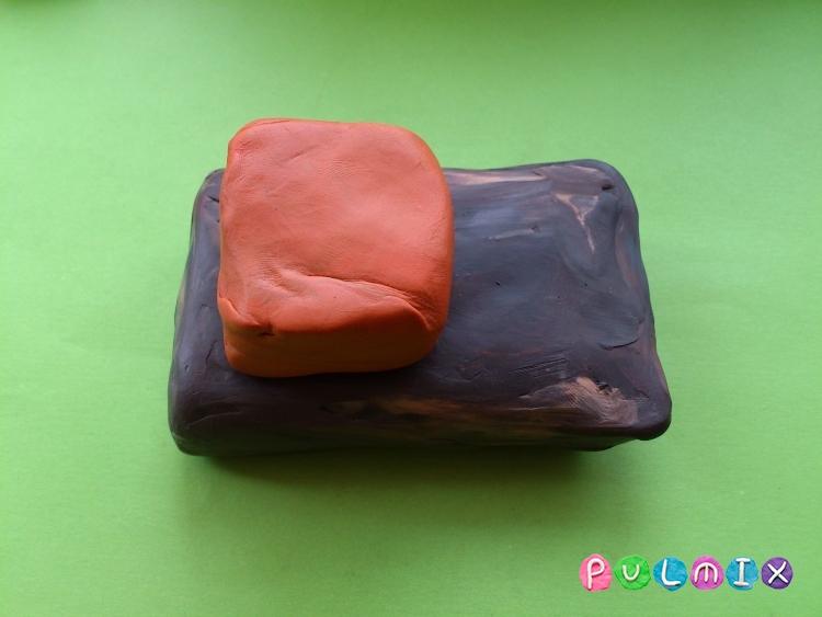 Как слепить комбайн из пластилина - шаг 4