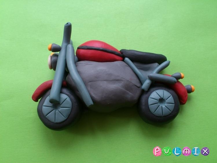 Как слепить мотоцикл из пластилина - шаг 9