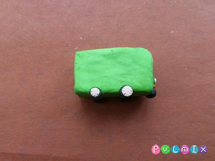 Как легко слепить троллейбус из пластилина фото урок - шаг 5