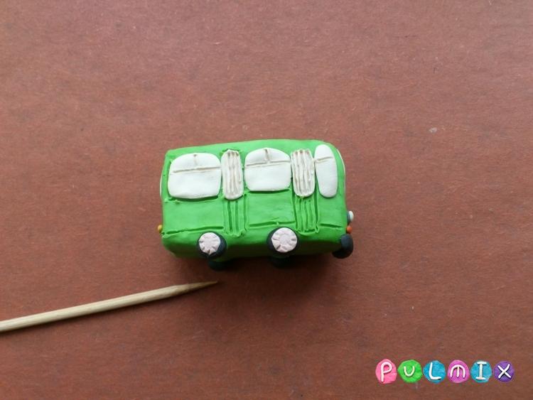 Как легко слепить троллейбус из пластилина фото урок - шаг 8