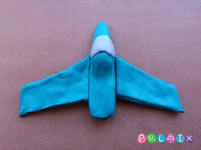 Как слепить из пластилина самолет-истребитель поэтапно - шаг 6
