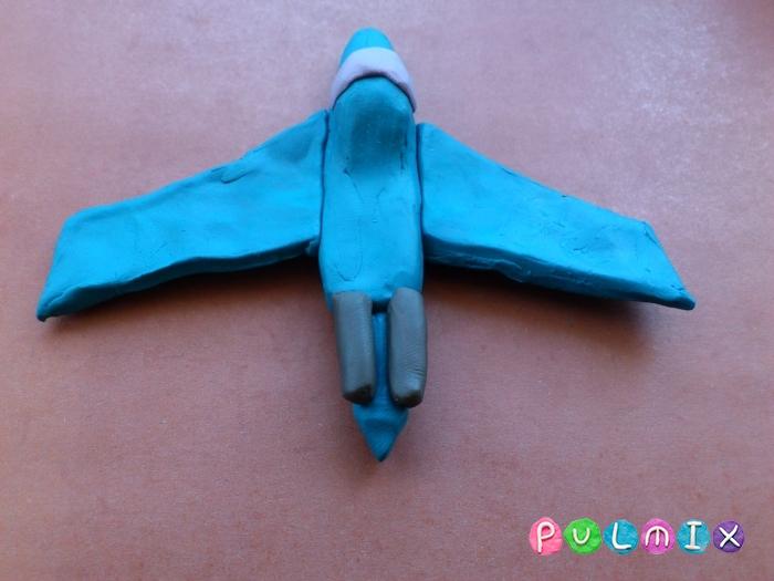 Как слепить из пластилина самолет-истребитель поэтапно - шаг 7