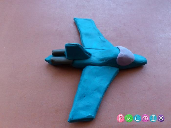 Как слепить из пластилина самолет-истребитель поэтапно - шаг 8