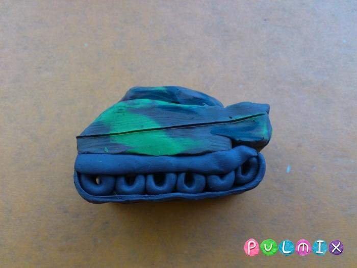 Как слепить танк Леклерк из пластилина - шаг 11
