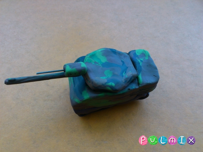 Как слепить танк Леклерк из пластилина - шаг 12