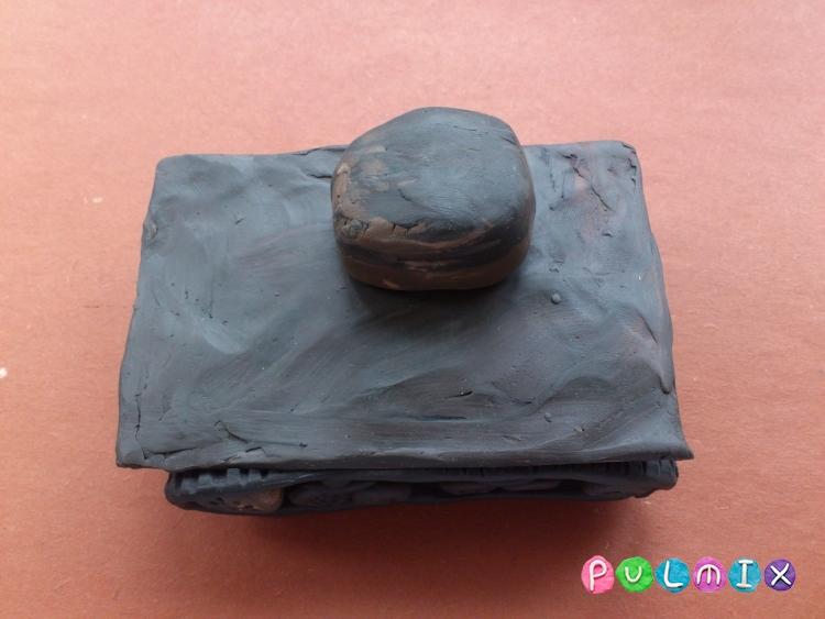Как слепить танк Т-37А из пластилина урок с фото - шаг 11