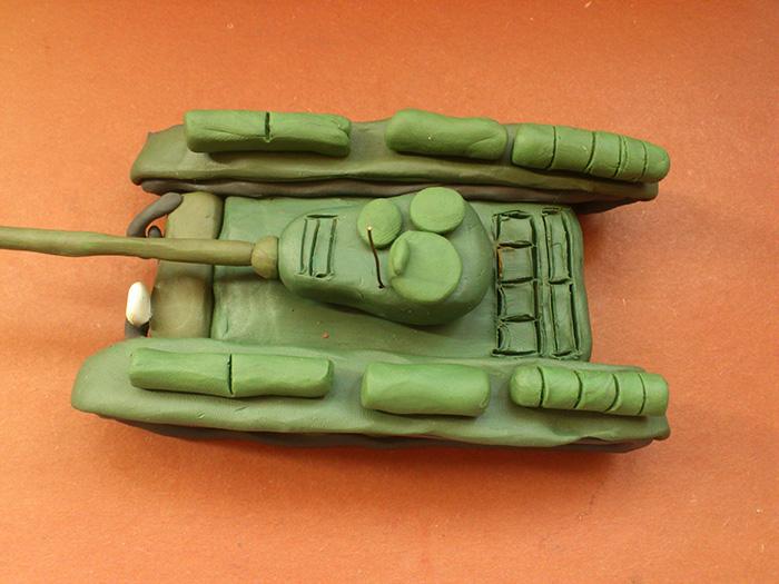 Как слепить танк Т-44 из пластилина пошаговый урок - шаг 20