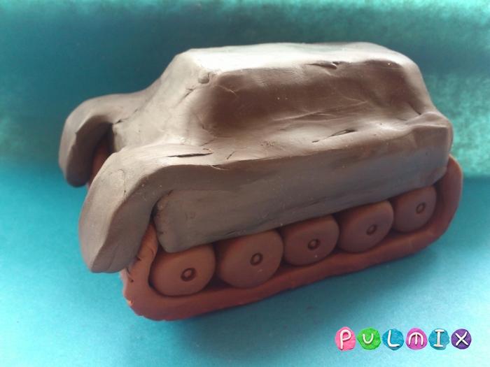 Как слепить танк Тигр из пластилина поэтапно - шаг 10