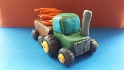 Как слепить трактор с прицепом из пластилина