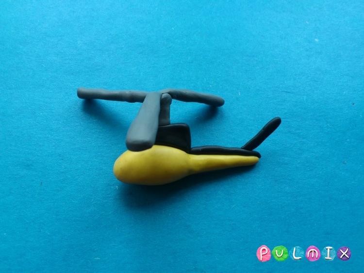 Как слепить вертолет-такси из пластилина - шаг 8
