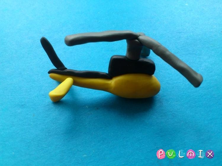 Как слепить вертолет-такси из пластилина - шаг 9