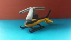 Как слепить необычный вертолет-такси из пластилина своими руками