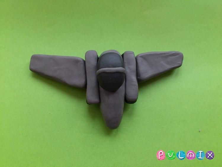 Как слепить военный самолет из пластилина поэтапно - шаг 6