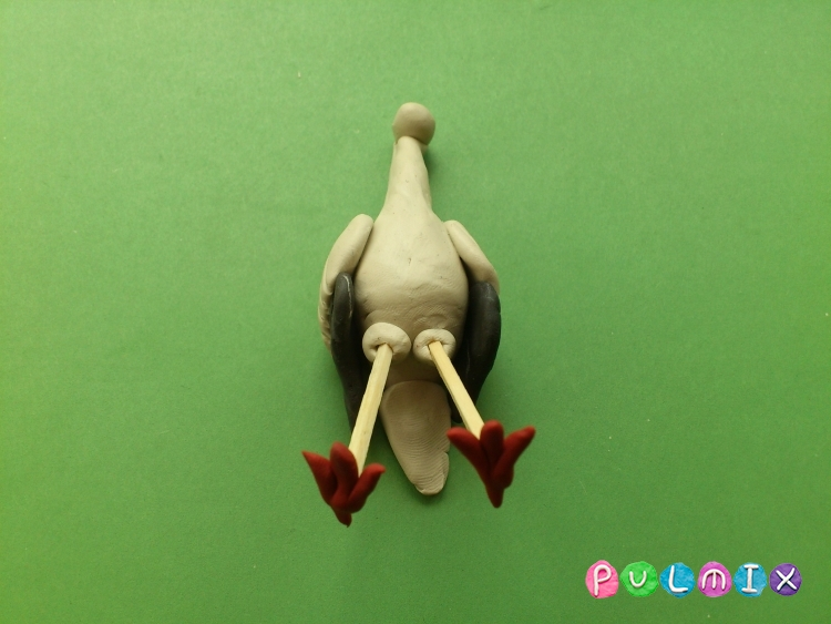 Как сделать аиста из пластилина своими руками - шаг 8