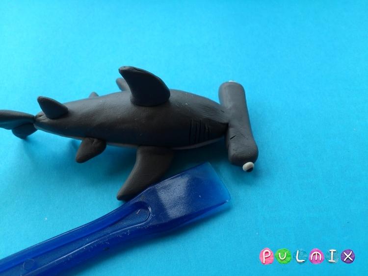 Как слепить акулу-молот из пластилина поэтапно - шаг 7