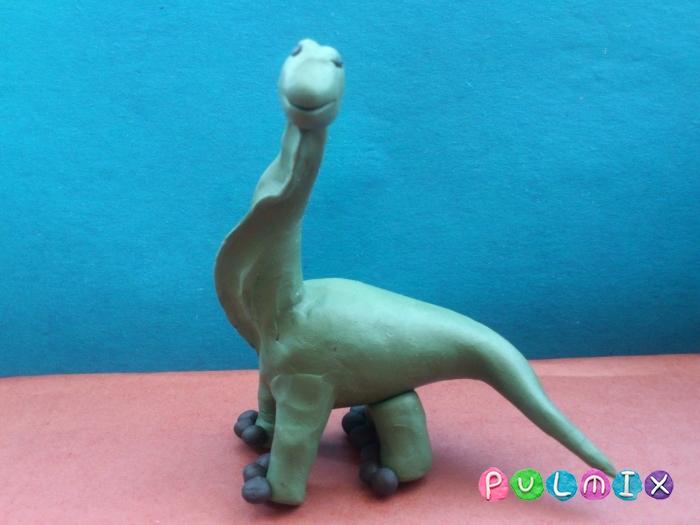 Как слепить динозавра Брахиозавра из пластилина поэтапно - шаг 10