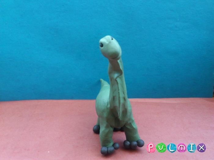 Как слепить динозавра Брахиозавра из пластилина поэтапно - шаг 9