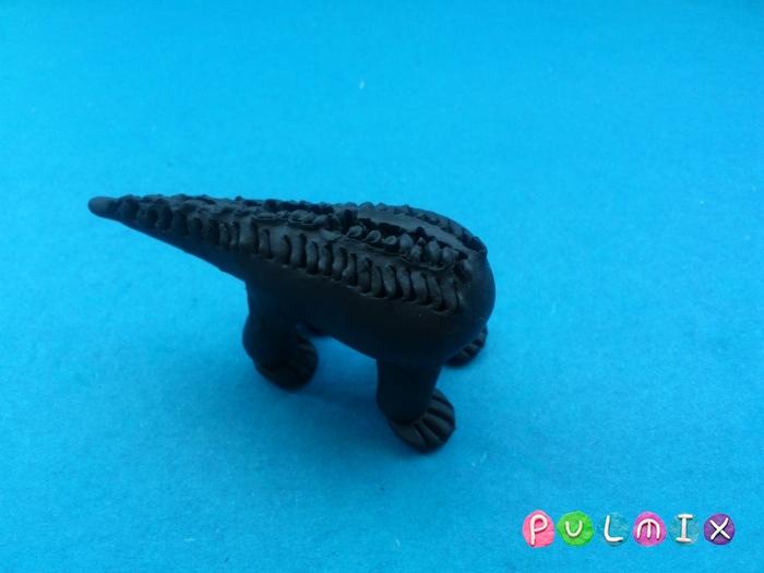Как слепить динозавра Трицератопса из пластилина - шаг 11
