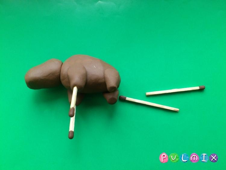 Как слепить лося из пластилина своими руками - шаг 5
