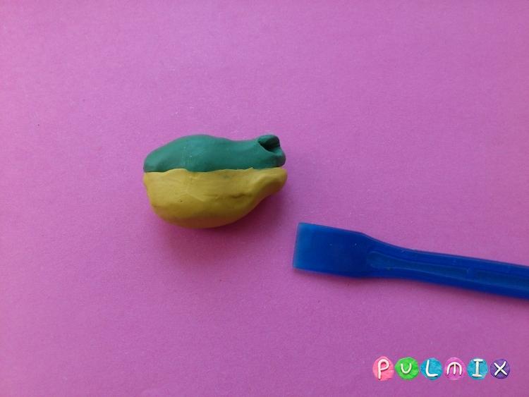 Как слепить лягушку из пластилина поэтапно - шаг 3