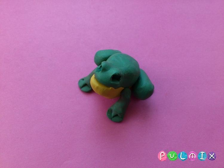 Как слепить лягушку из пластилина поэтапно - шаг 6