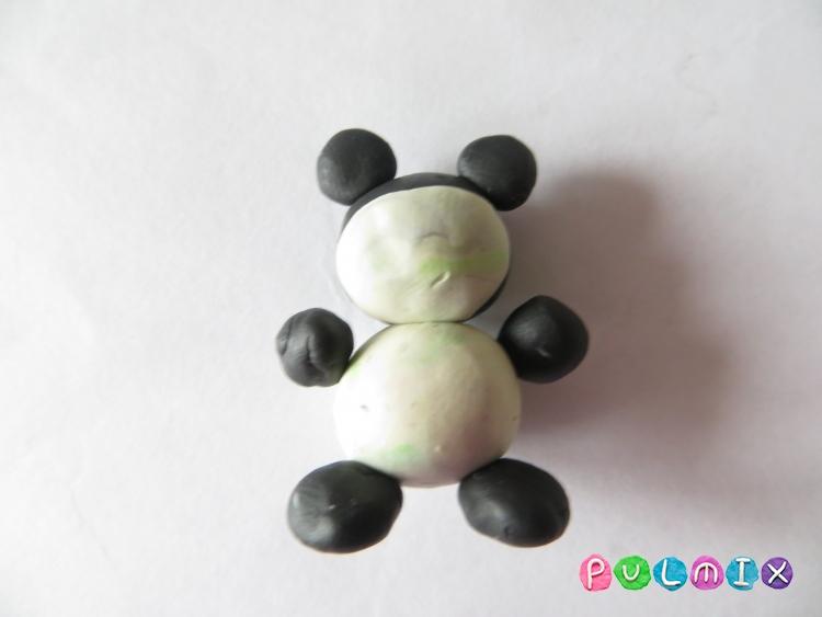 Как слепить маленькую панду из пластилина поэтапно - шаг 6