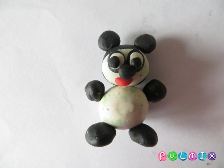 Как слепить маленькую панду из пластилина поэтапно - шаг 9