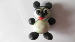 Как слепить маленькую панду из пластилина своими руками