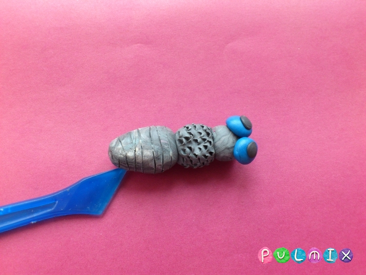 Как слепить муху из пластилина из пластилина - шаг 6