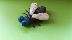 Как слепить муху из пластилина своими руками поэтапно