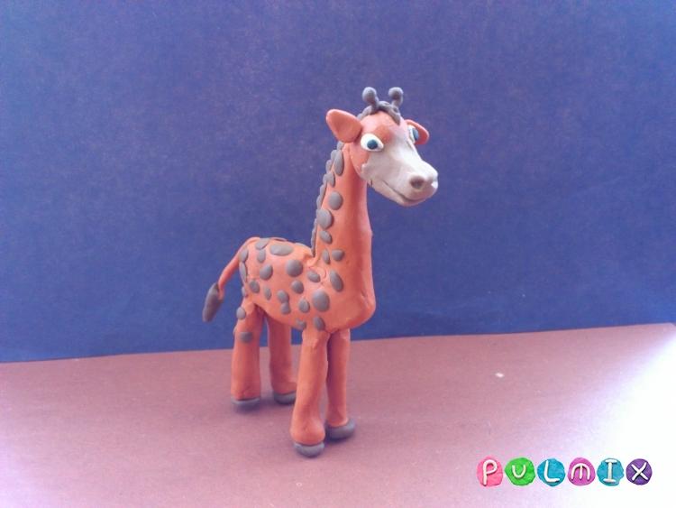 Как слепить жирафа из пластилина поэтапно - шаг 12