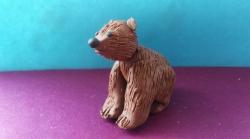 Лепим маленького медвежонка из пластилина поэтапно