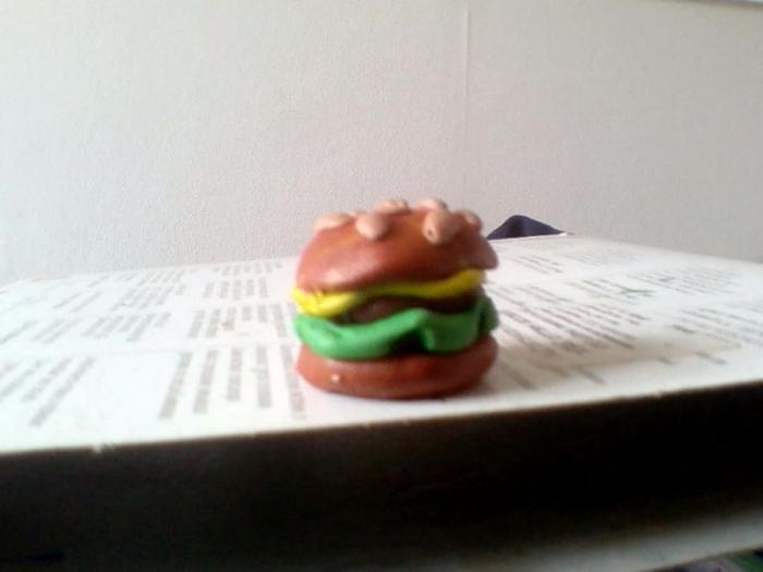 Как слепить гамбургер из пластилина
