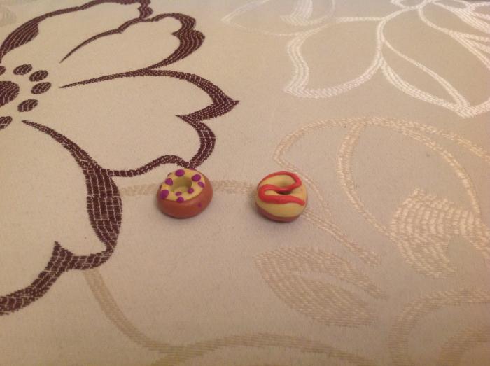 Лепка пончиков для кукол из пластилина своими руками